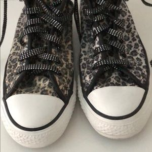 CONVERSE CHEETAH SEQUINED HIGHT TOP SNEAKERS